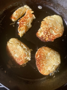 parsnip cakes in the frying pan